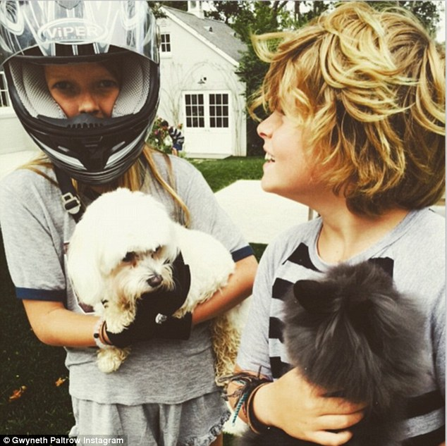 296A1B6A00000578-3114073-Sibling_love_Gwyneth_Paltrow_shared_a_cute_photo_of_her_daughter-a-119_1433653120298