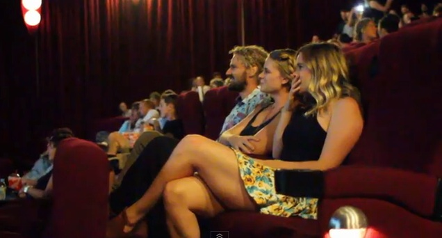 Aussie_guy_proposes_to_girlfriend_in_packed_cinema__Best_wedding_proposal_EVER__-_YouTube