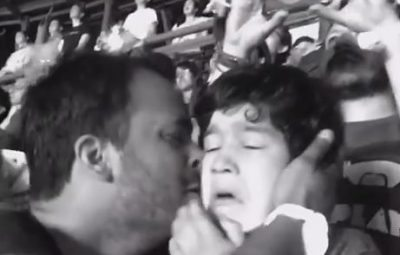 autistic boy enjoying coldplay concert