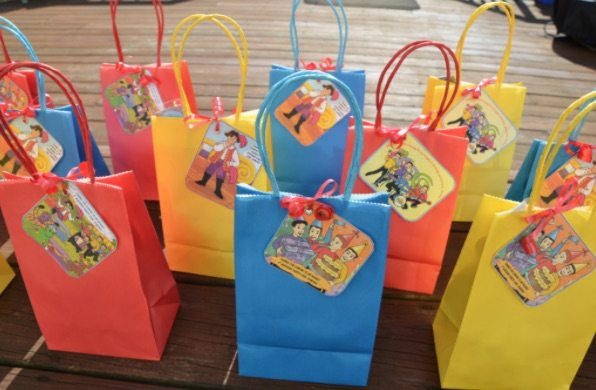10 Wiggles_Birthday_Party_Ideas_-_Little_Party_Love