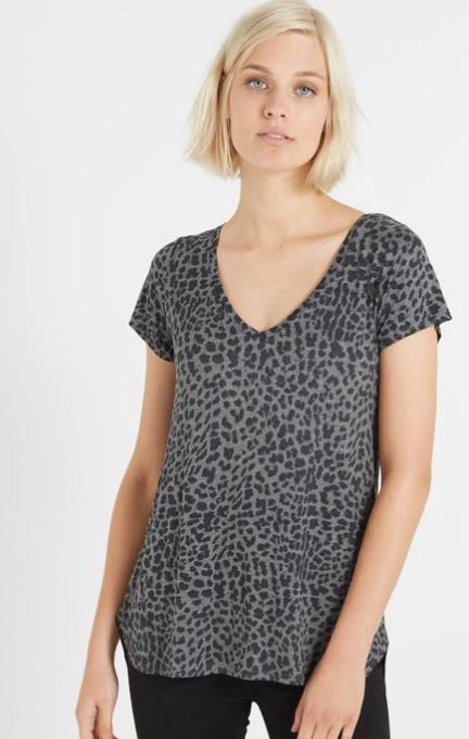 leopard print patterned tee for mums